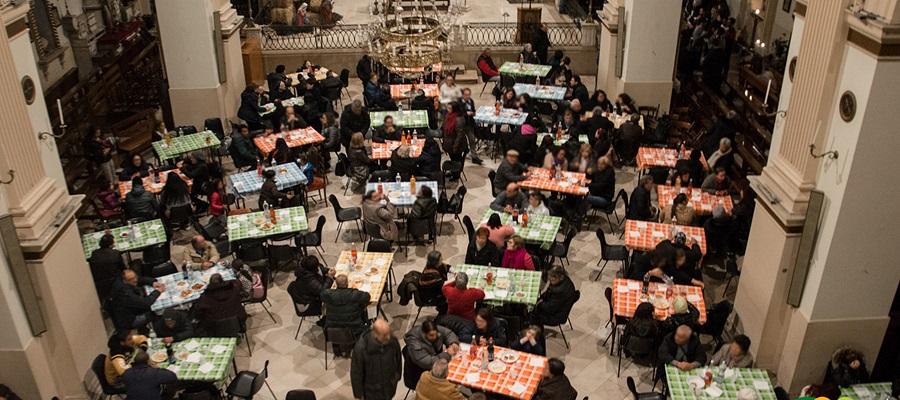 Despar, ai fornelli per i poveri: ecco la tavola della speranza