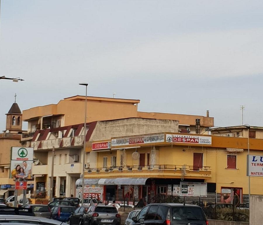 Punto vendita «New Domitia Market SRL» a Mondragone